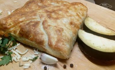 Chaczapuri z grilowanym bakłażanem i serem